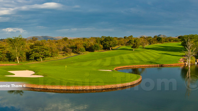 Leopard Creek 9th Par 4 b.jpg