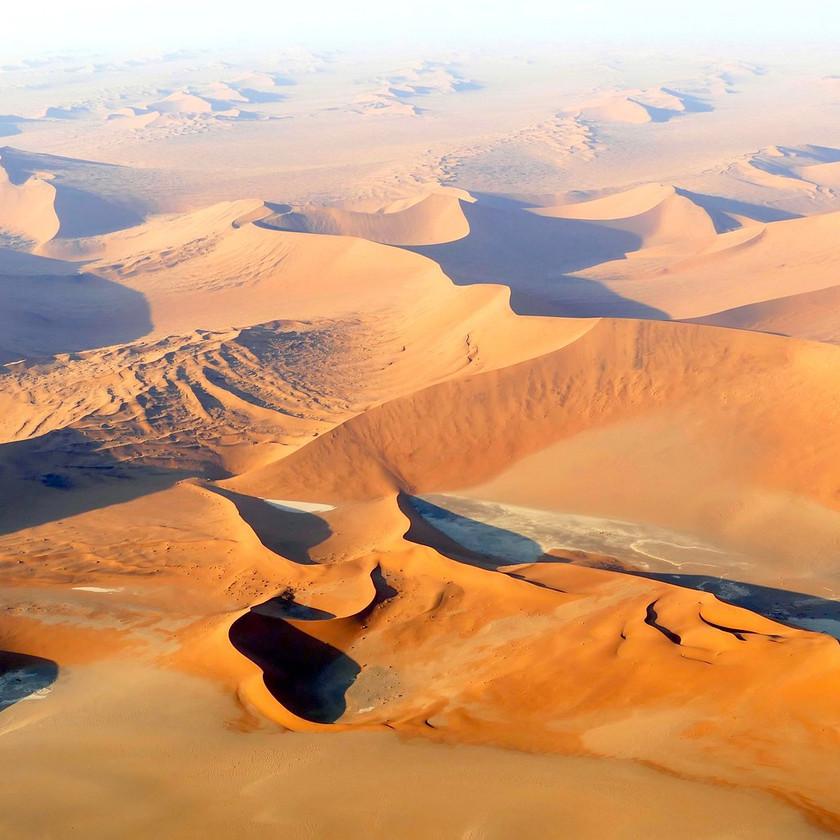 Red dunes - Namibia safari
