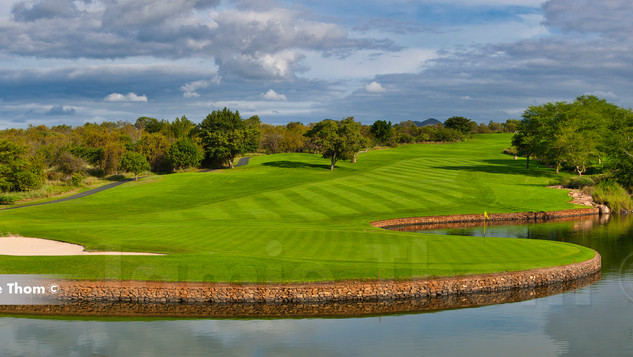 Leopard Creek 9th Par 4 a.jpg
