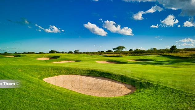 Euphoria_Golf_Estate_3rd Par 5 a.jpg