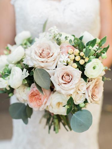 Garden-Rose-Quicksand-Bridal-Bouquet.jpg