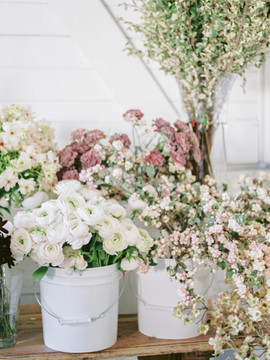 Sinclair and Moore - Seattle - Spring Flowers - Meg Owen Events