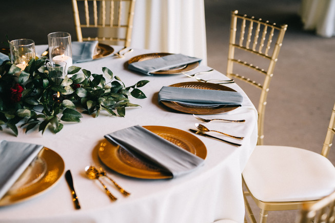Gold-Chargers-Dusty-Blue-Napkins