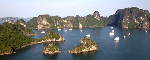 Vietnam_Halong_Bay_from-Ti-Top-Island_So