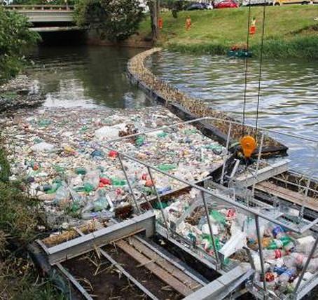 Ecobarreira recolheu quase 650 toneladas do arroio Dilúvio em 2019