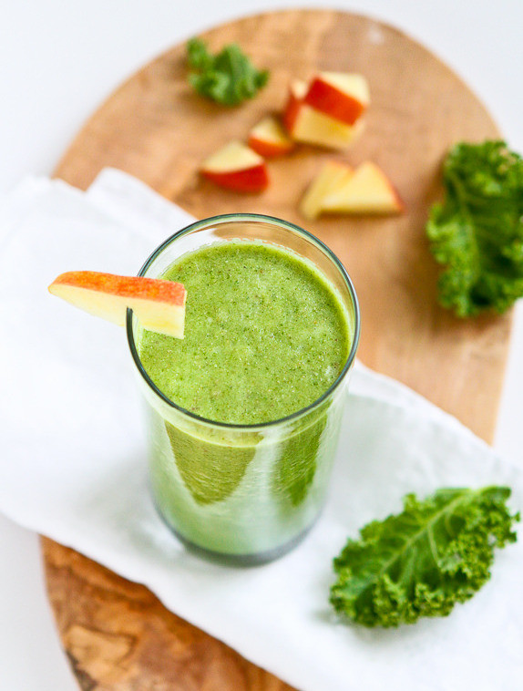 Kale and Apple Green Smoothie