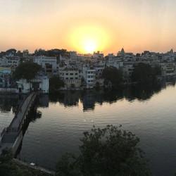 Sunrise over Lake Pichola, Udaipur, Rajasthan