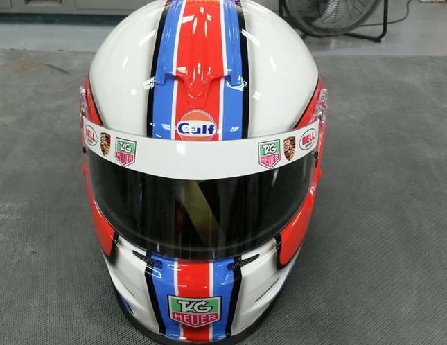 Helmets_02.jpeg