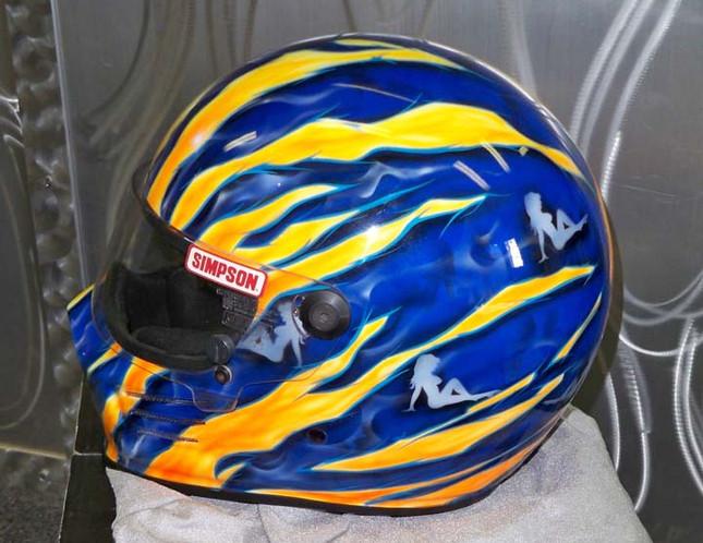 Helmets_17.jpg
