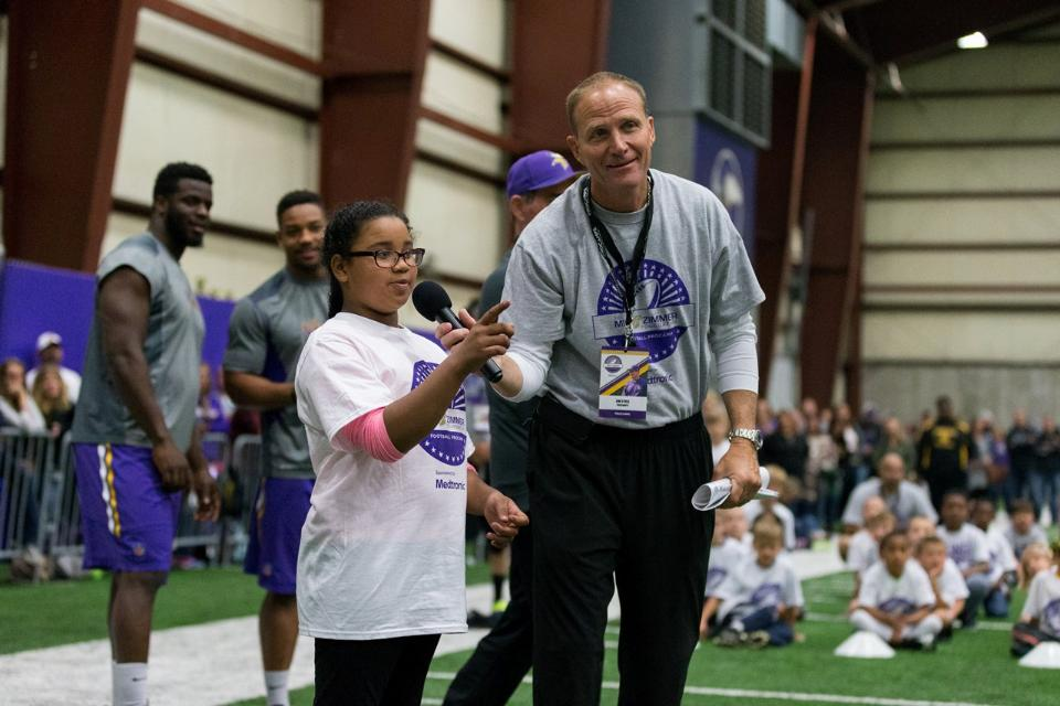temp2017_0520_CR_Foundation_ProCamp_0145--nfl_mezz_1280_1024