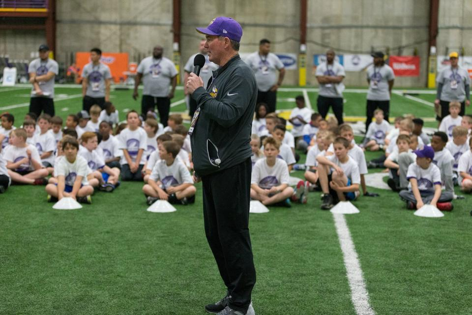 temp2017_0520_CR_Foundation_ProCamp_0020--nfl_mezz_1280_1024-1