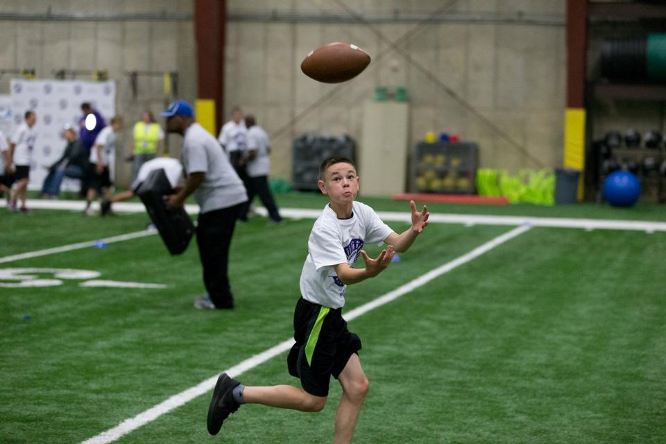 temp2017_0520_CR_Foundation_ProCamp_0102--nfl_mezz_1280_1024