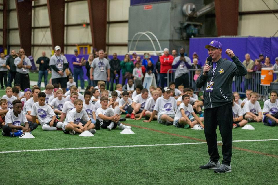 temp2017_0520_CR_Foundation_ProCamp_0182--nfl_mezz_1280_1024