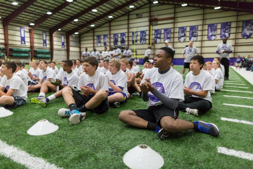 temp2017_0520_CR_Foundation_ProCamp_0007--nfl_mezz_1280_1024