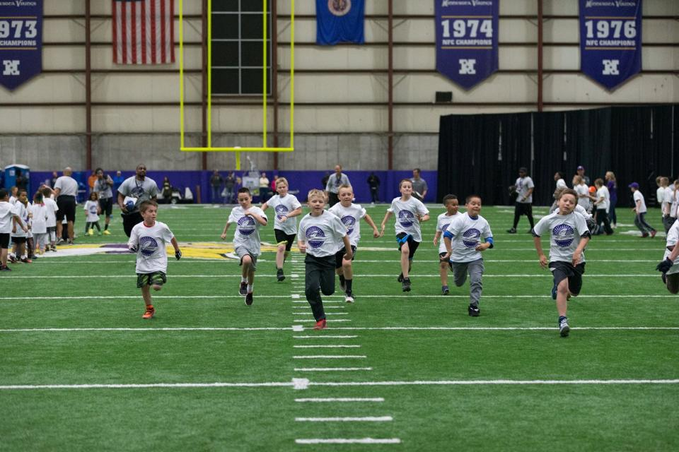 temp2017_0520_CR_Foundation_ProCamp_0120--nfl_mezz_1280_1024