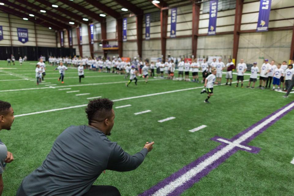 temp2017_0520_CR_Foundation_ProCamp_0114--nfl_mezz_1280_1024
