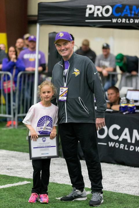 temp2017_0520_CR_Foundation_ProCamp_0180--nfl_mezz_1280_1024