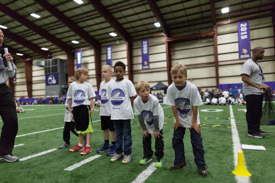 temp2017_0520_CR_Foundation_ProCamp_0105--nfl_mezz_1280_1024