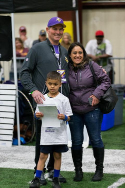 temp2017_0520_CR_Foundation_ProCamp_0137--nfl_mezz_1280_1024