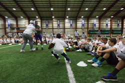 temp2017_0520_CR_Foundation_ProCamp_0025--nfl_mezz_1280_1024