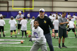 temp2017_0520_CR_Foundation_ProCamp_0073--nfl_mezz_1280_1024