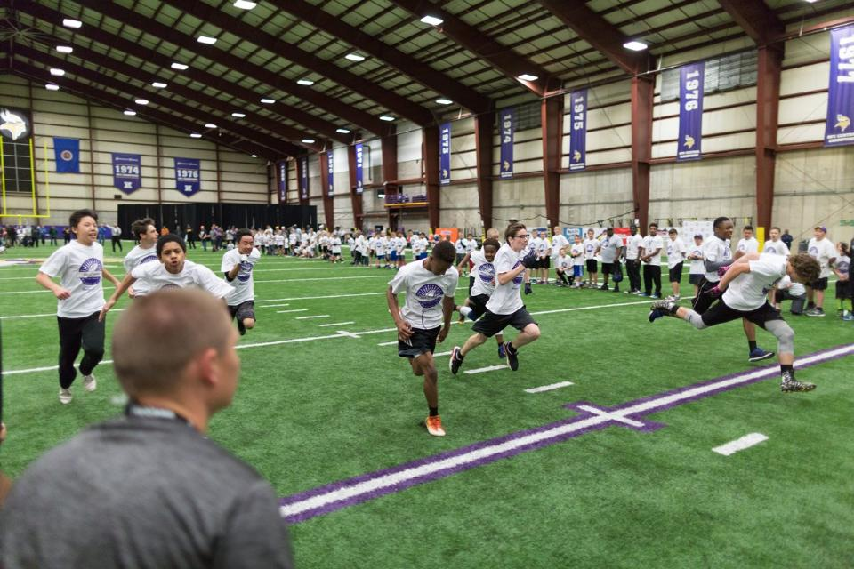 temp2017_0520_CR_Foundation_ProCamp_0131--nfl_mezz_1280_1024