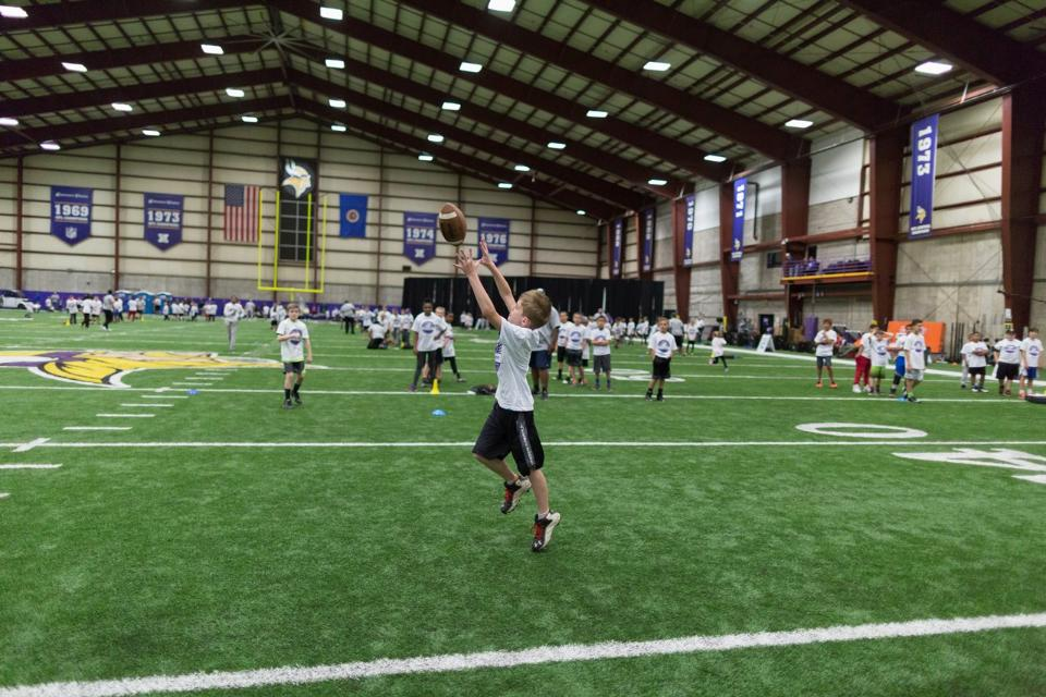 temp2017_0520_CR_Foundation_ProCamp_0043--nfl_mezz_1280_1024