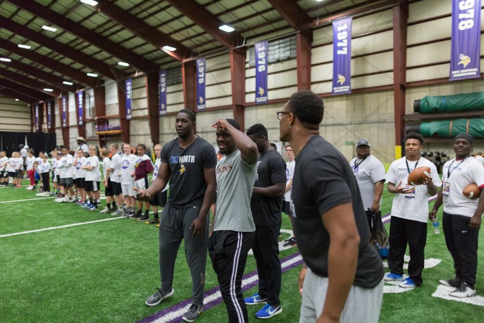 temp2017_0520_CR_Foundation_ProCamp_0113--nfl_mezz_1280_1024