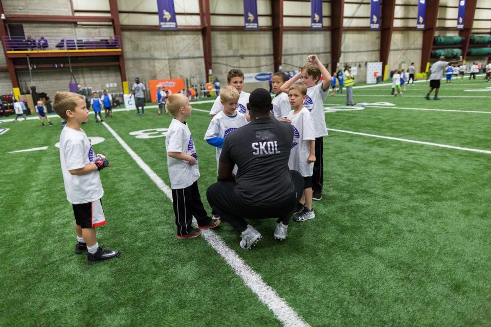 temp2017_0520_CR_Foundation_ProCamp_0155--nfl_mezz_1280_1024