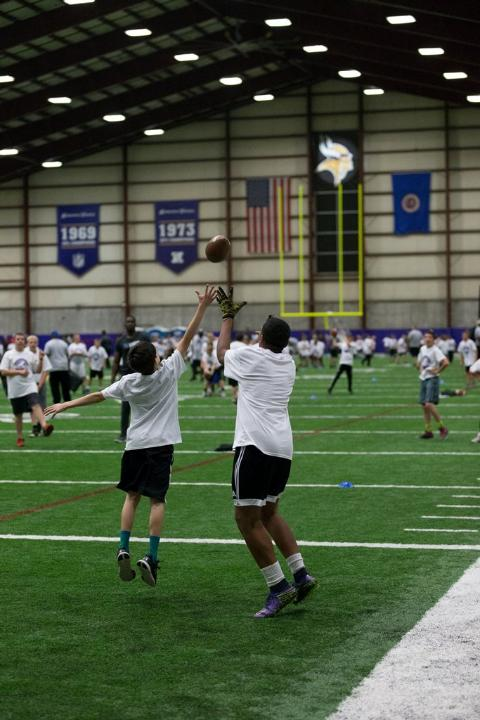 temp2017_0520_CR_Foundation_ProCamp_0097--nfl_mezz_1280_1024