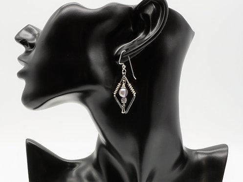 Cultured Pearl Drop