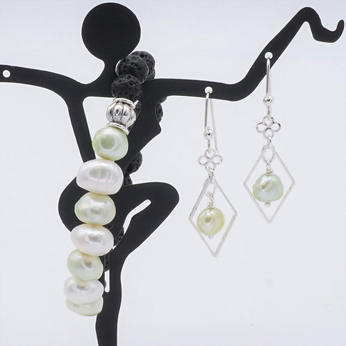 White & Green Pearl Set