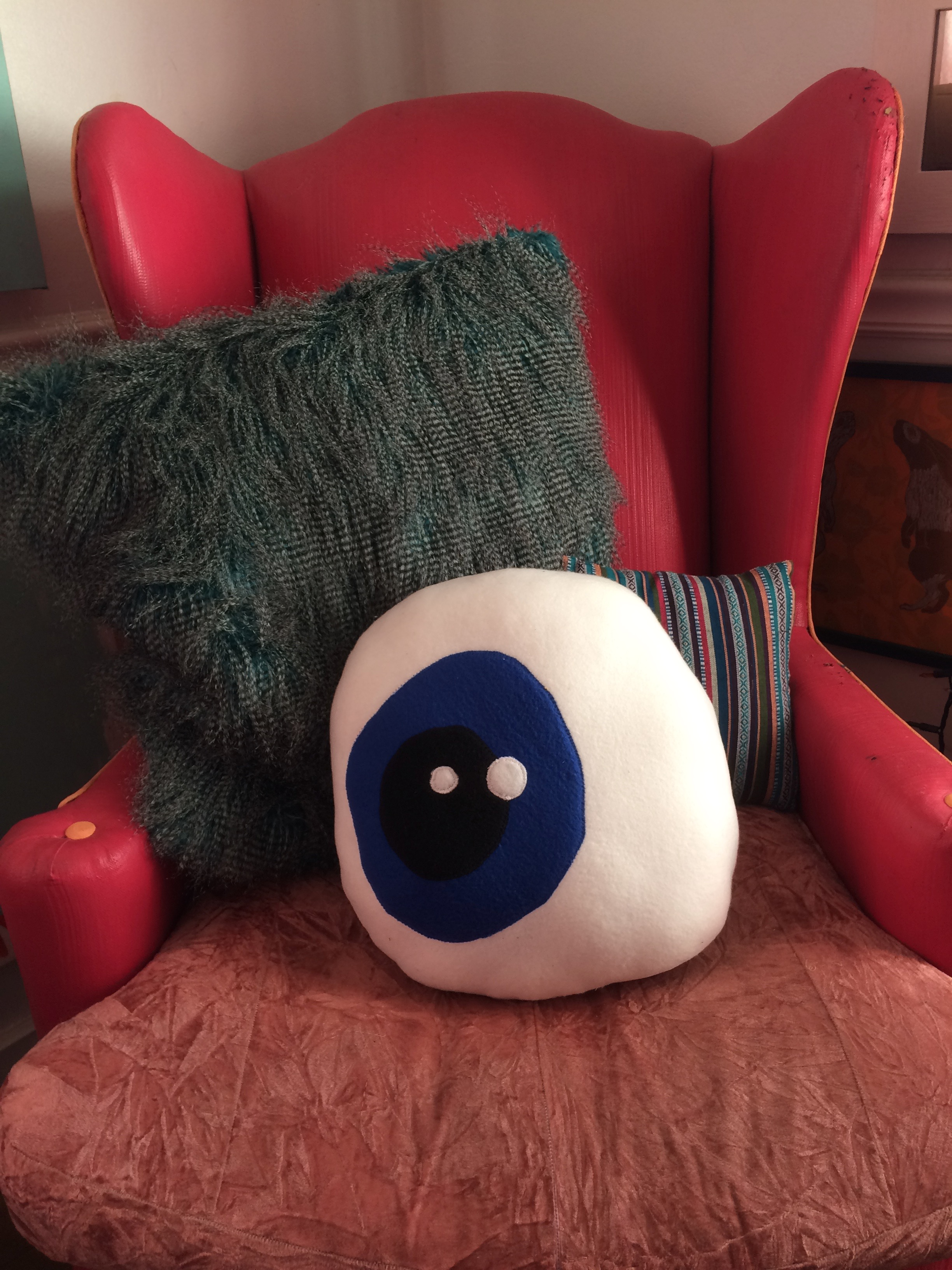 Eyeball Pillo & Custom Pillows