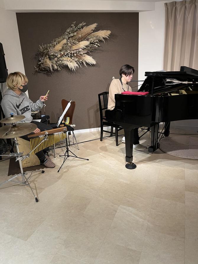 明日のピアノサロンarco.でのライブについてのご案内です。