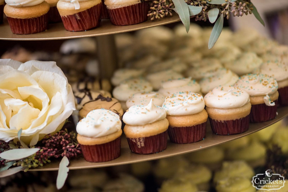 Wedding cupcakes_i do events and party rentals2
