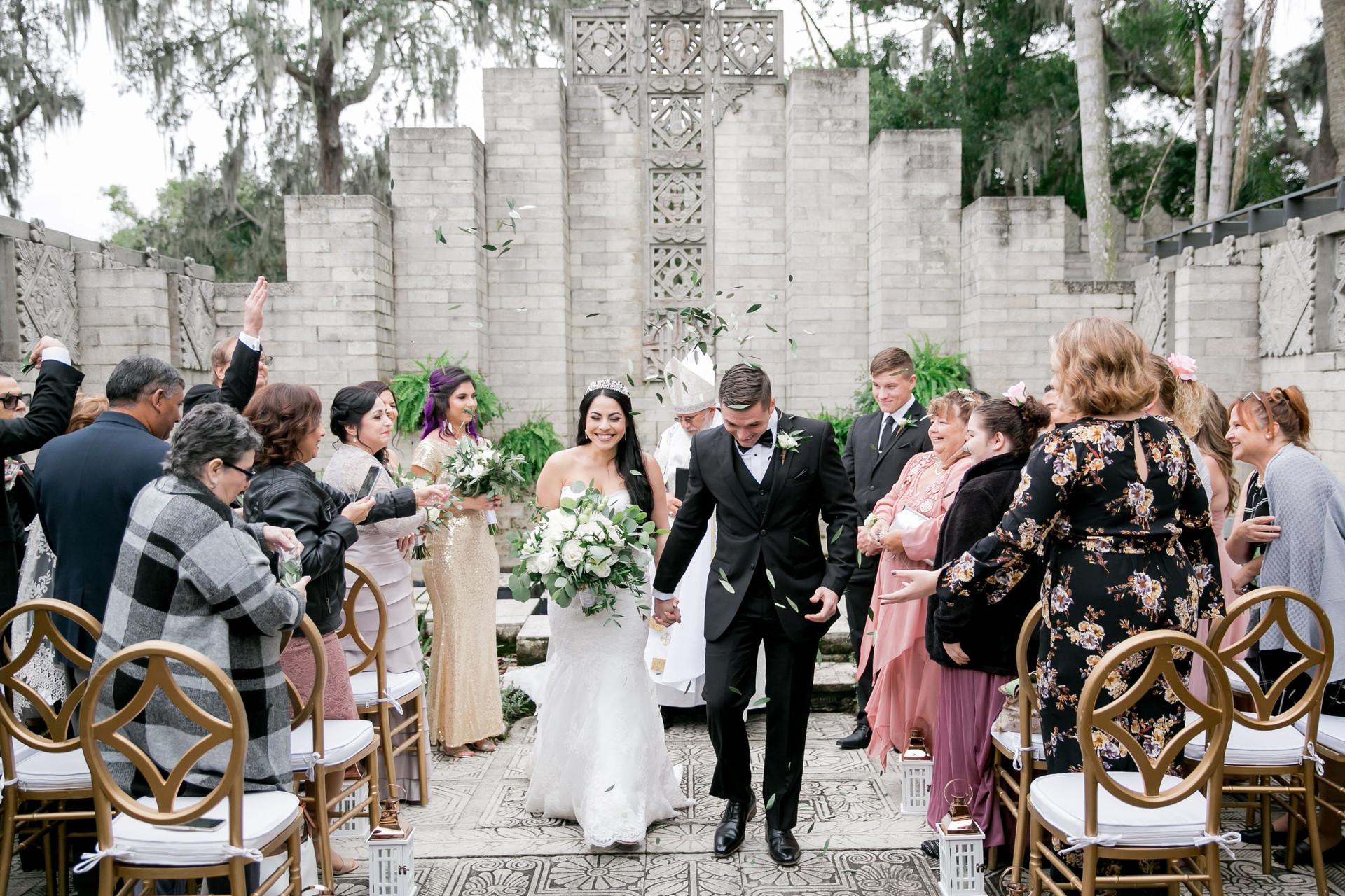 Le fleur atelier white and green wedding