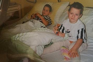 Max Marcus Laudan Brothersmclaud Kinder Krankenhaus Zwillinge Operation MED Mul