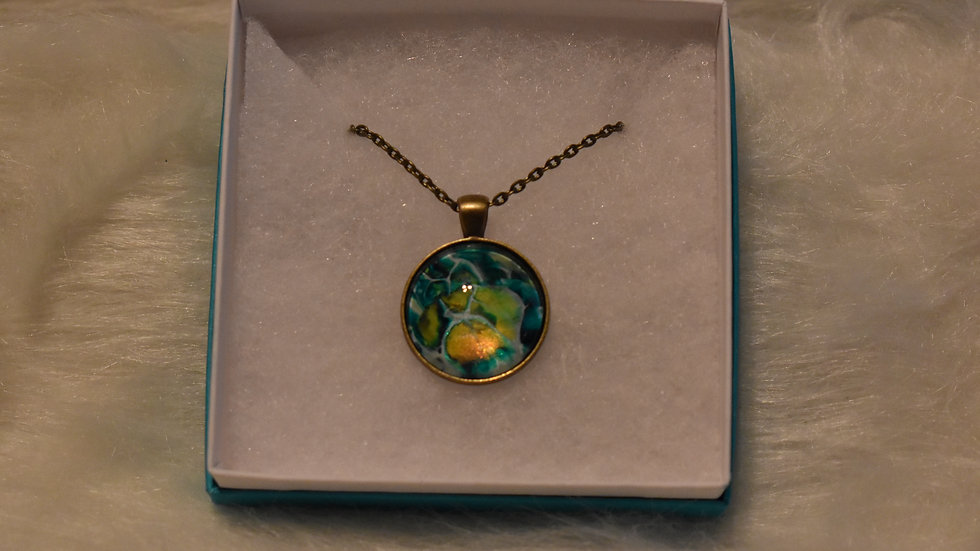 Necklace in Antique Gold