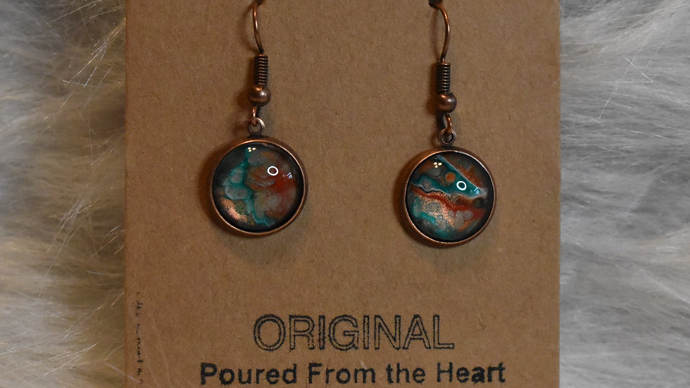 Striking in copper and turquoise on copper wires