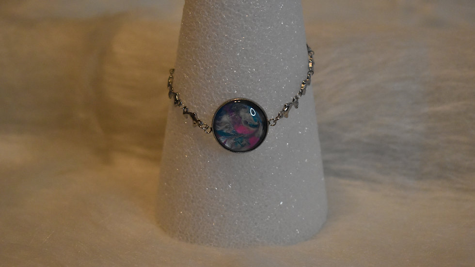 Silver chain with dolphins, single stone