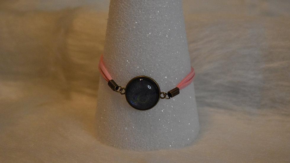 Single stone leather strap bracelet