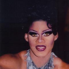 Yasmine Bonet Iman, 2001