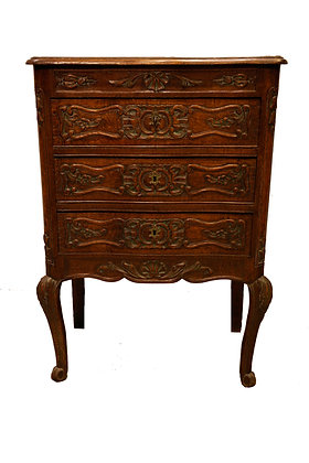 Louis XV-style oak diminutive commode