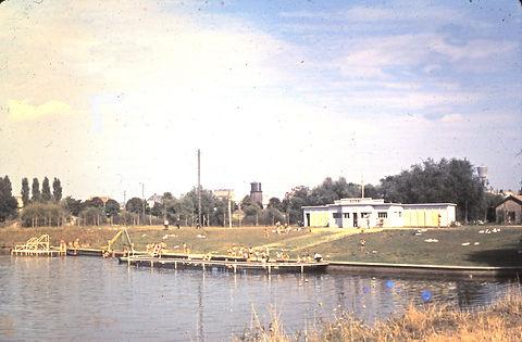 89-29-9c piscine UCPMI .JPG