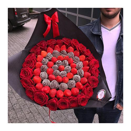 Букет из клубники с розами  L