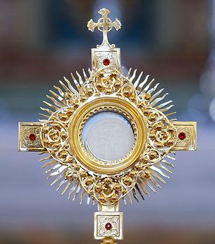 Ostensory for worship at a Catholic church ceremony_edited (6) (1)_edited.jpg