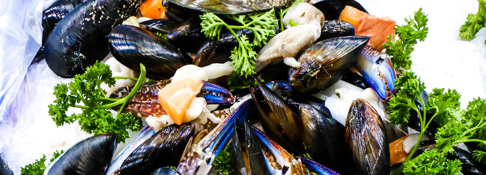 mussels and parsley.jpg