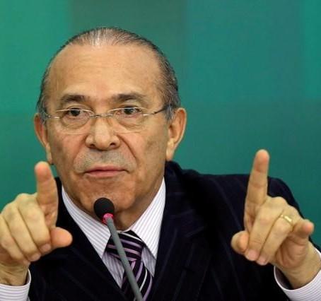 Governo negocia derrubada de vetos à Lei do Funrural, diz Padilha
