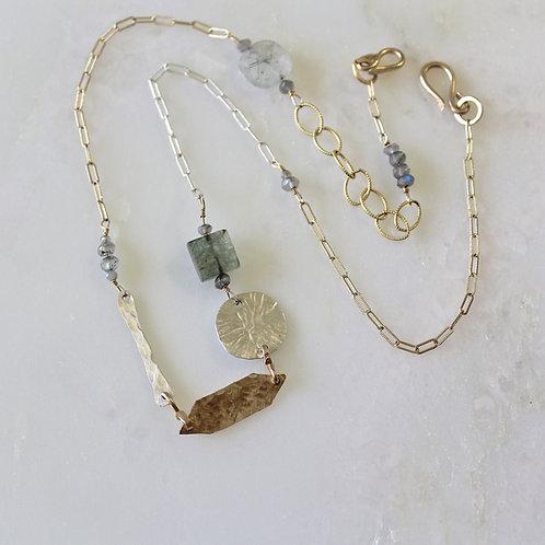 Bellia necklace