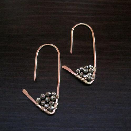 Amiti Short Earrings in Pyrite
